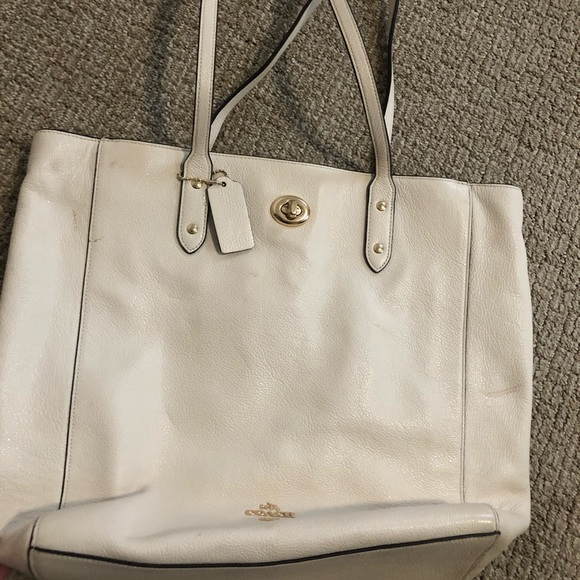 Coach Handbags - White leather coach purse